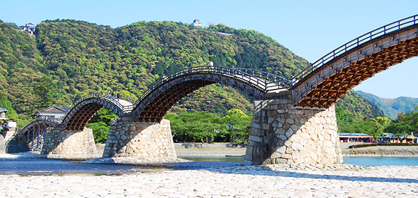 Iwakuni & Kintaikyo-Bridge sightseeing bus